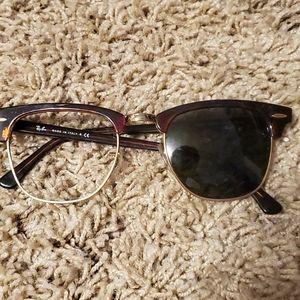 Ray-Ban Clubmaster Tortoiseshell Sunglasses